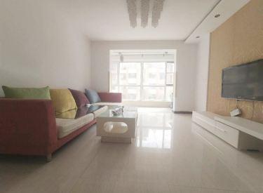 精装俩室 使用面积90多 家具家电齐全 拎包就住 免费看房