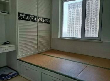 金辉湖畔里 3室1厅1卫 2000元月 95平 电梯房