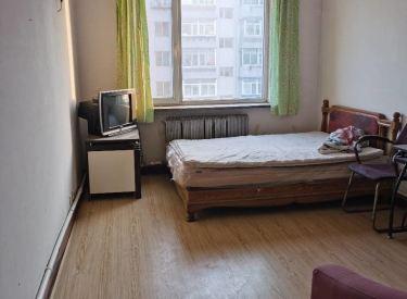 八家子   4楼    2室一厅  出租1200元,现房