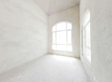 桑堤亚纳 联排别墅 清水房 好装修 带院子诚意出售