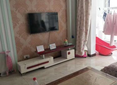 雨润中央宫园 2室 精装 1700包物业取暖 看房方便