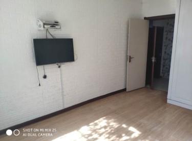 西站郭家二小区 1楼的楼层好 装修好 有家电家具 拎包就住