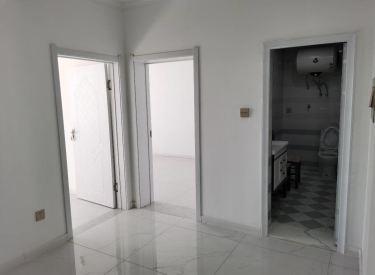 中房西小区   精装修,拎包入住,地热出租1500家具家电全
