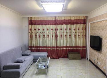 急租马总花园精装两室家具家电齐全室内干净立正拎包入住出行方便