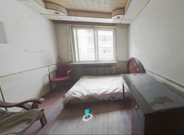 淮东社区 2楼 不把不临 1室 1厅 1卫 30.00㎡