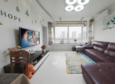 双校区带车位满五中间楼层不挡光精装两室带储物间看房方便
