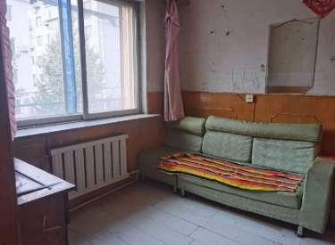保工街地铁口附近 3楼 价格低 位置好 有钥匙 家电家具全