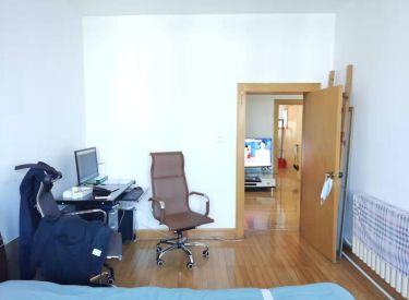 东中街地铁34万 老龙里小区 两室 简单装修 随时能看