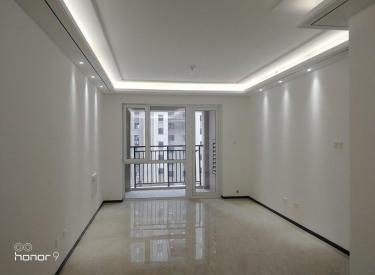 双南卧室 南北通透 楼下和平一 126 满伍年 中间层