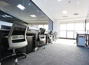(出租)卓越大厦 共享工位出租 免费会议室 可注册公司
