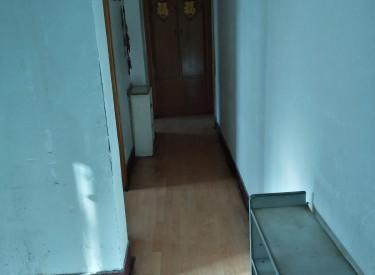 延安里社区126中学南门 3室 1厅 1卫 70㎡