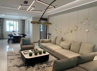 125平三室宽厅洋房 坐落方特东园区中心 出门地铁口独家优惠