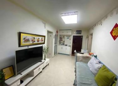 地铁口 一楼带花园 精装修二室 无税可贷款 望花新村西区