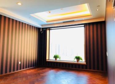 皇朝万鑫 1室1厅1卫 55.56㎡ 西南 豪华装修 近地铁 随时看房